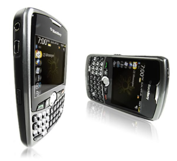 blackberry-curve-8330-3