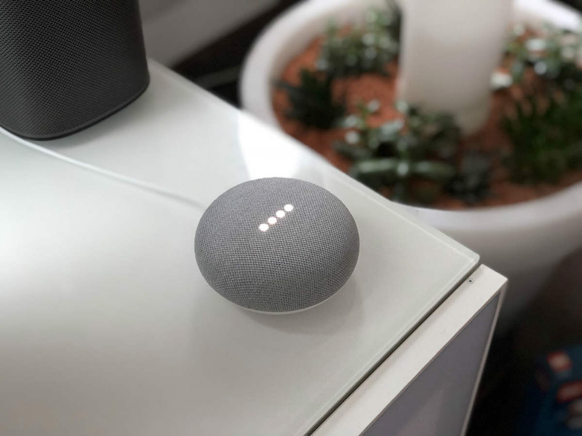 Google-Home-Mini-01
